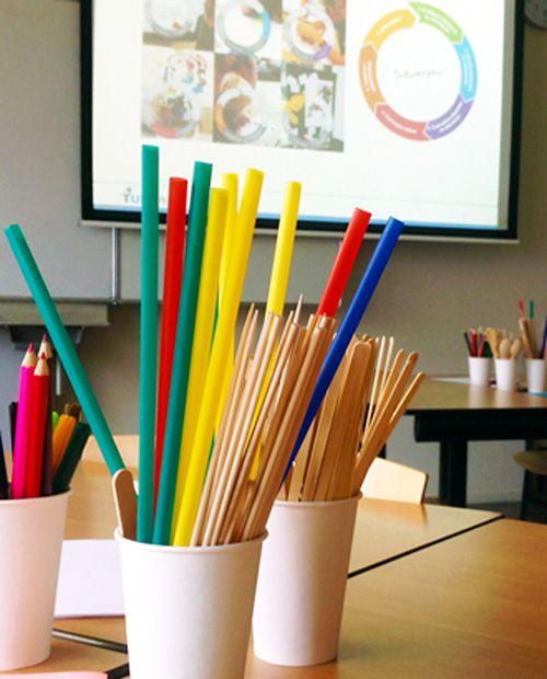Ontwerpend leren in de klas? Ontdek de Mystery Bags: met een vaste set materiaal bedenken en maken leerlingen oplossingen voor een ontwerpvraag.