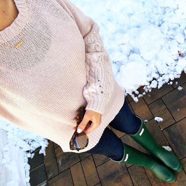 IG @mrscasual <click through to shop this look> Cableknit sleeve sweater.  Green Hunter boots.  Karen walker number one sunglasses.