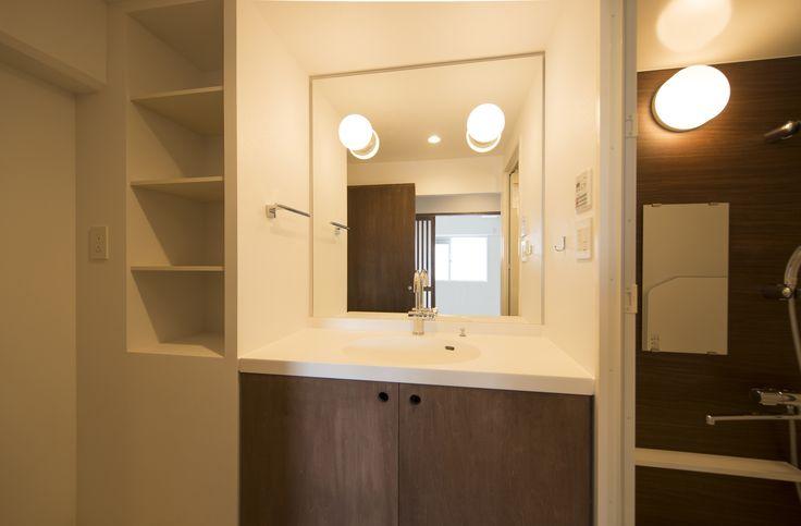 50代の夫婦のための名古屋市内67.70㎡の典型的な3LDK築30年の中古マンションリノベーション案です。自然素材を使い、部屋全体が明るくなるように工夫しました。洗面所