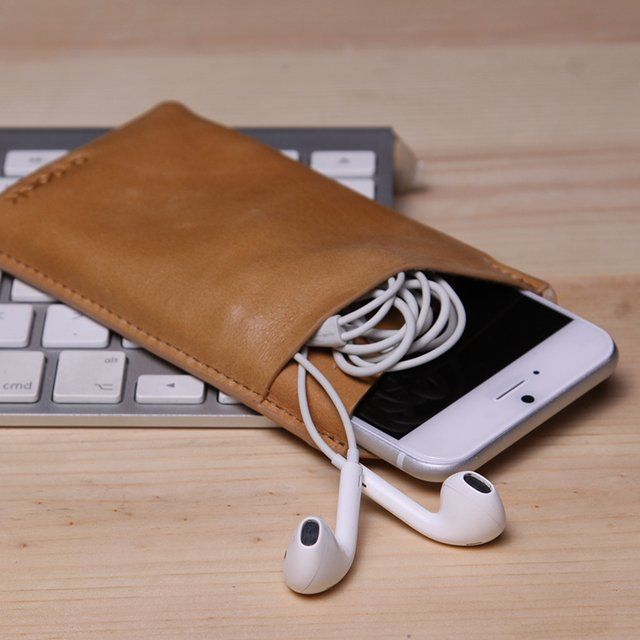 (188) Fancy - Genuine Leather iPhone 6 6+ Sleeve