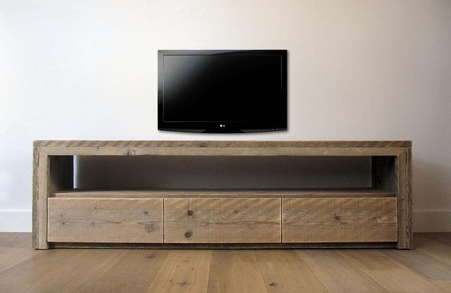 TV meubel 'Vittali' van steigerhout by w00tdesign, via Flickr