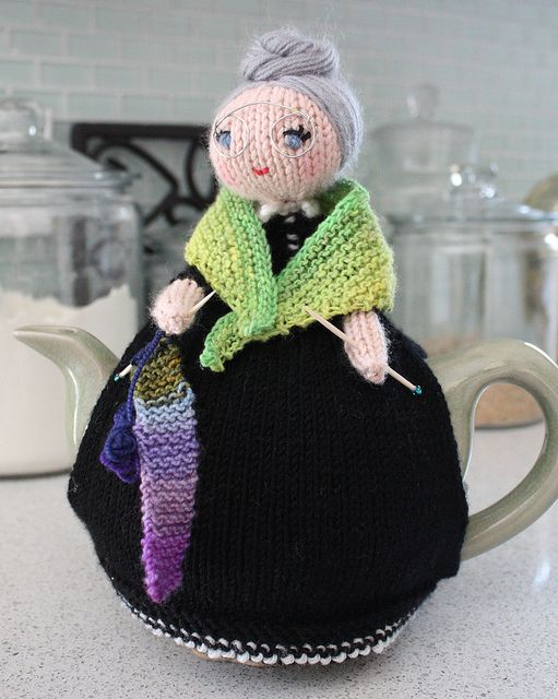 ❇Crochet Tea Cosies, Coffee and Tea Cup and Mug Snugs and Hugs old lady by aniexma13