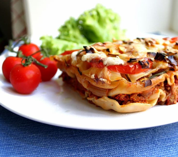 VeganMisjonen: Lasagne med kjøttfri kjøttsaus, tomater og squash