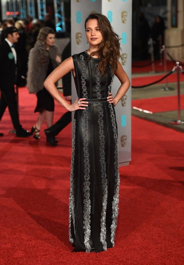 Alicia Vikander: os 10 looks-desejo da nova it-girl do red carpet