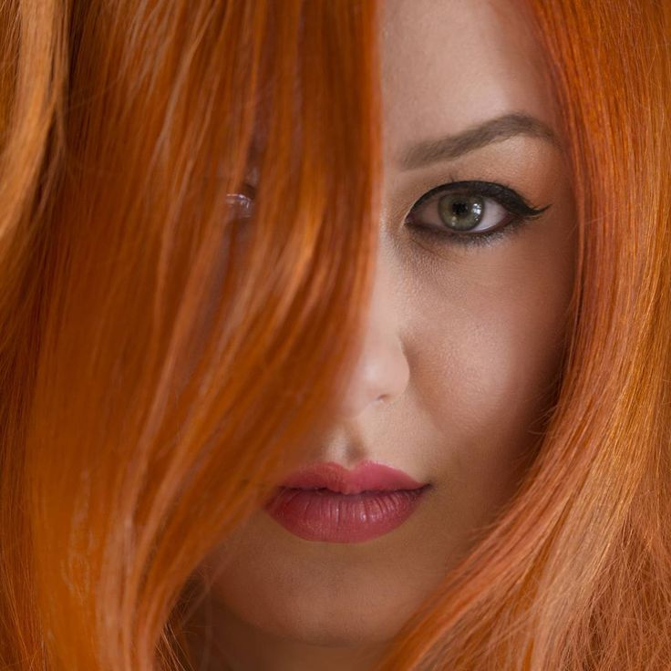 Fii #DIVA cu Xpression Studio&Academy! Alege sa fii #Eleganta sau #Rebela, defineste-ti propriul stil alaturi de echipa noastra!  Hair&Make-up: Xpression Studio&Academy Foto: Pixel Batalion Model: Oana Marcu Color: #phlaboratories Styling: #previa  #hairstyle #haircolor #hairideas #salon #vopsit #parvopsit #clujlife #clujing #longhair #colorhair #redhead
