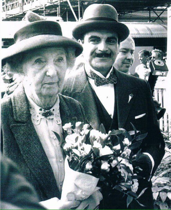 Miss Marple meets Hercule Poirot - Joan Hickson and David Suchet. David_Suchet (@David_Suchet) | Twitter