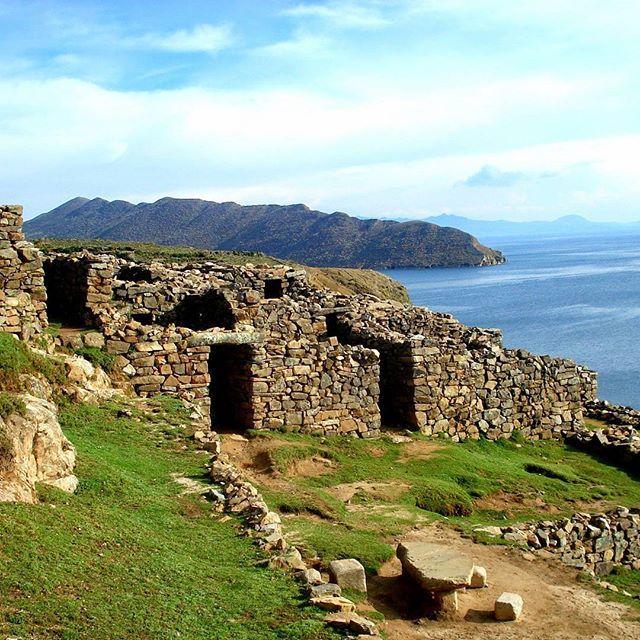 The birth of a culture. Lake Titicaca Bolivia Isle of the Sun.  #peru #adventure #trek #nature #speical  #travelgram #traveler #travelphotography #traveling #culture #amazing #highlights #wonderful #hiking #hikingadventures #travellife #travelblogger #ruins #mountains #mountainlife #peace  #adventuretime #cool #unforgettable #love #naturephotography #naturelove #naturelover #isladelsol #laketitikaka