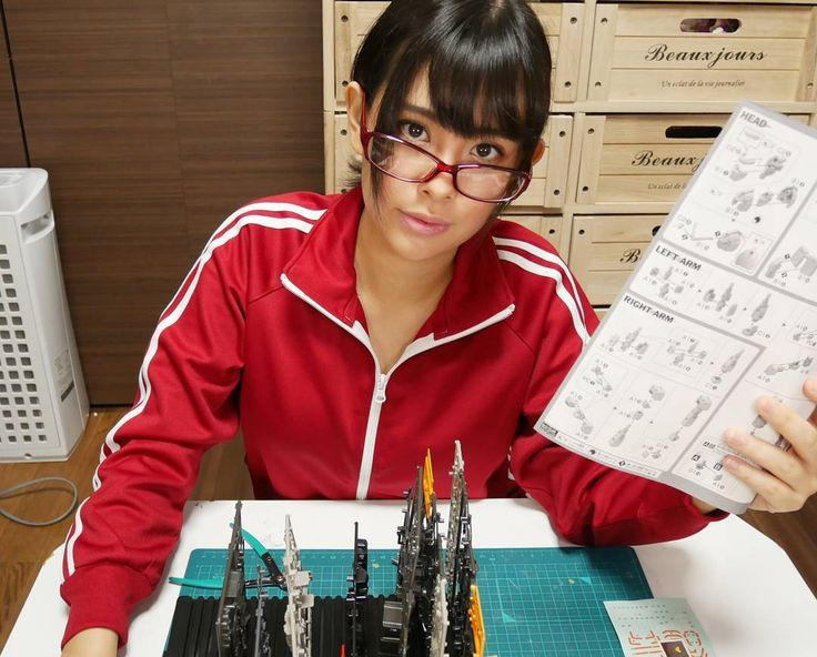 詐欺ちう #ガンダム#ガンプラ#模型#模型女子#モケジョ#メガネ#ジャージ#ユーチューバー#ユーチューブ#コスプレ#部屋着#局地型ガンダム#コスプレイヤー#japan#glasses#anime#cosplayer