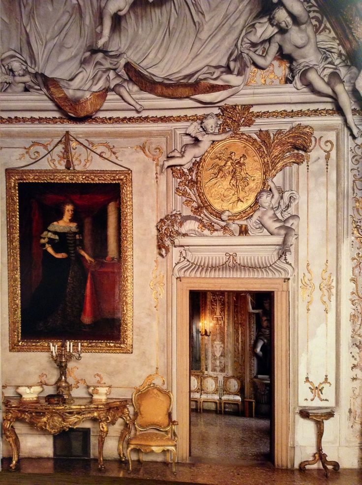 The square ball room with the magnificent stucco ceiling and 28 putti holding a large pleated veil, realized by Stazio at the end of XVII century, al Palazzo Albrizzi in S. Apollinare, in Venice.