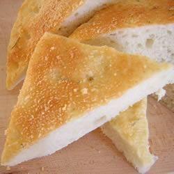 Foccacia met Parmezaanse kaas en rozemarijn
