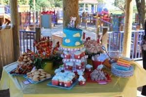 Dr Suess inspired birthday cake and food