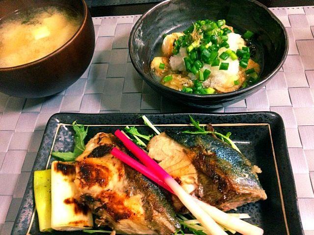 一昨日の夕ご飯 - 11件のもぐもぐ - 鰤の塩焼き・牡蠣と帆立のおろし南蛮・お味噌汁 by じゅん