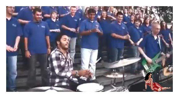 Lenny Kravitz Canta Junto Com Coral De Rua Em New Orleans