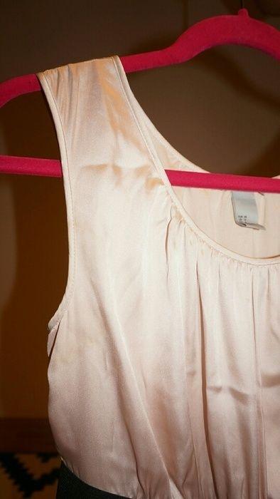 Kurzes Kleid von H&M - kleiderkreisel.at  #kleid #kleiderkreisel #h&m #hm #secondhand #kurzeskleid #dress #blush #peach #satin #spenden #charity #zartrosa #rosa #rosé #cocktailkleid