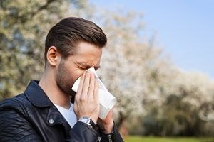 Not sure how to recognize spring allergy symptoms? This is the first step in establishing an allergy-fighting regimen.