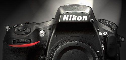 Câmera DSLR Nikon D7200 Por Rodrigo Jordy Os rumores mais uma vez se concretizaram e a Nikon D7200 foi anunciada aparentemente sem grandes avanços tecnológicos, pois já não é mais novidade a retir...