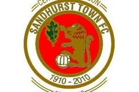 SANDHURST  TOWN FC      -  SANDHURST berkshire