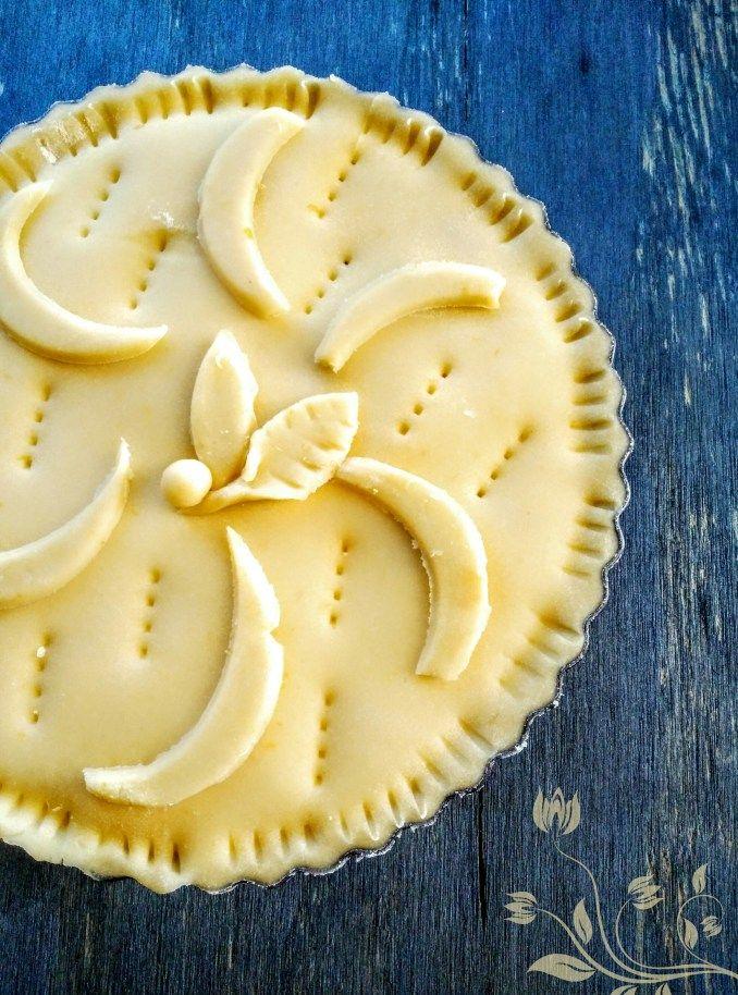 Oggi,una preparazione che fa parte della tradizione partenopea:il rustico dolce napoletano.E' sia dolce che salato,perchè il guscio che accoglie il ripieno,è una classica frolla,quindi dolce.…
