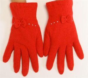 Утепляем руки— выбираем зимние перчатки имуфту