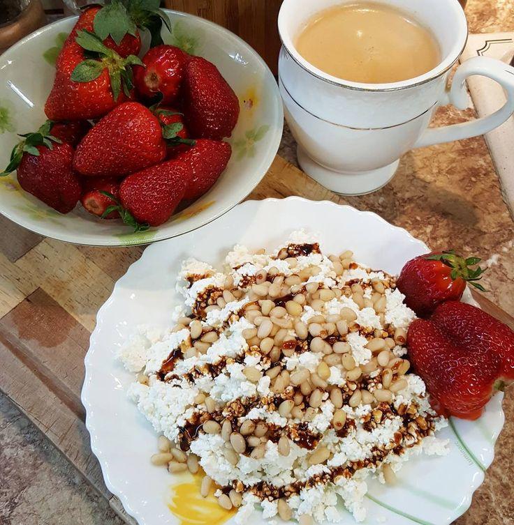 1,044 отметок «Нравится», 29 комментариев — Natali👧 (@natali_pp_) в Instagram: «Доброе утро, друзья!🙋🙂 Сегодня у меня очень вкусный творожно-клубничный завтрак) Все мы знаем, что…»