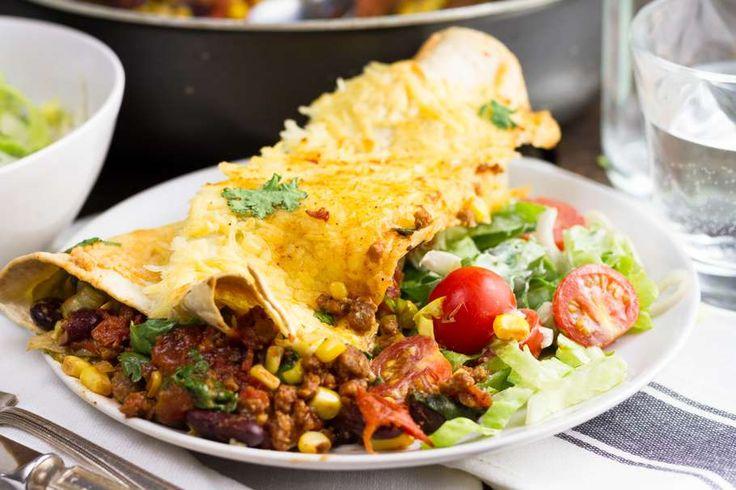 Veggie burrito's met mais, kaas, kidneybonen, vegetarisch gehakt, andijvie tortilla wraps etc