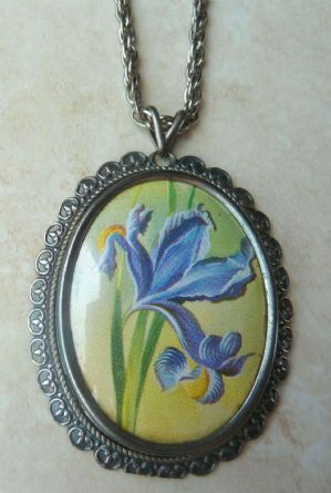 Vintage large, blue Iris print pendant and necklace by vintage designer Exquisite.