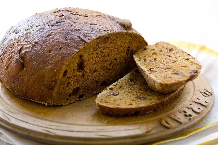 Make Your Own Pumpernickel Rounds With This Simple Bread Recipe