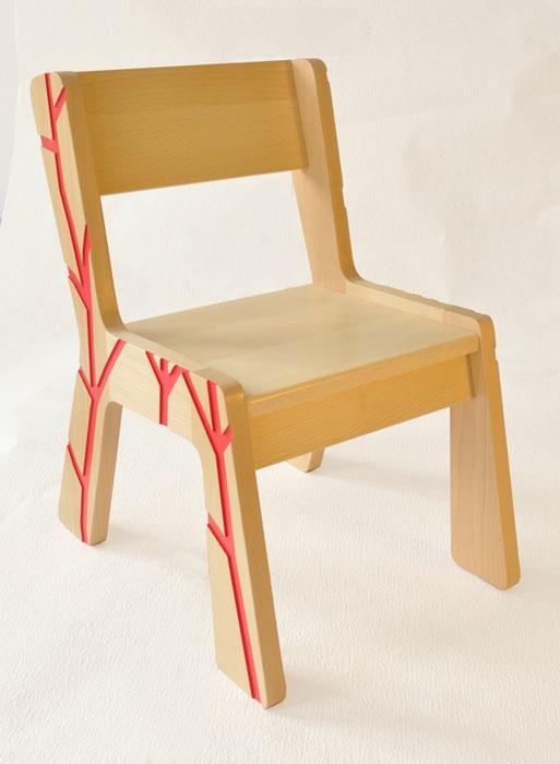 22 best images about chaise enfant on pinterest eames design and vintage desks. Black Bedroom Furniture Sets. Home Design Ideas