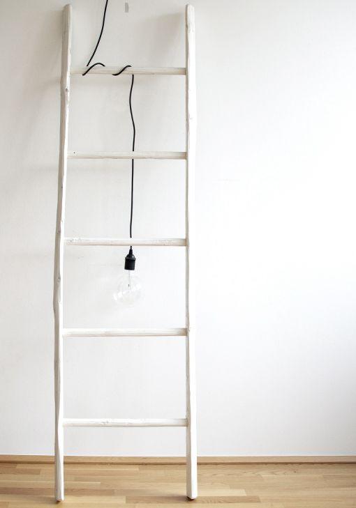 die besten 25 holzleiter ideen auf pinterest holzleiter dekor diy deckenleiter und holzleitern. Black Bedroom Furniture Sets. Home Design Ideas