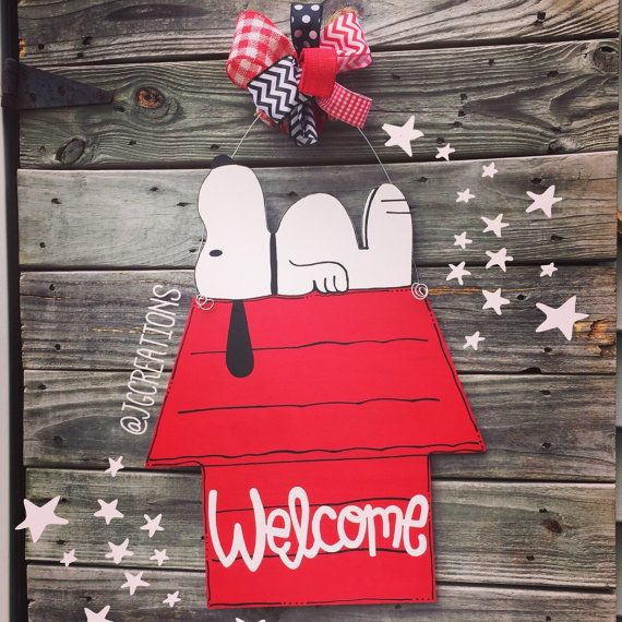 Snoopy Door Hanger Charlie Brown Peanuts Snoopy by jgcreationsbyjg