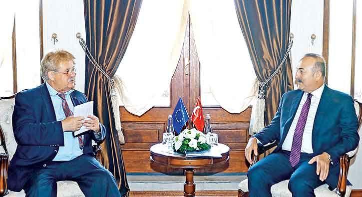 AB de özür diledi  / ABD Başkan Yardımcısı Joe Biden'ın ardından Avrupa Parlamentosu Dış İlişkiler Komisyonu Başkanı Elmar Brok da geç ziyaret için Türkiye'den özür diledi.