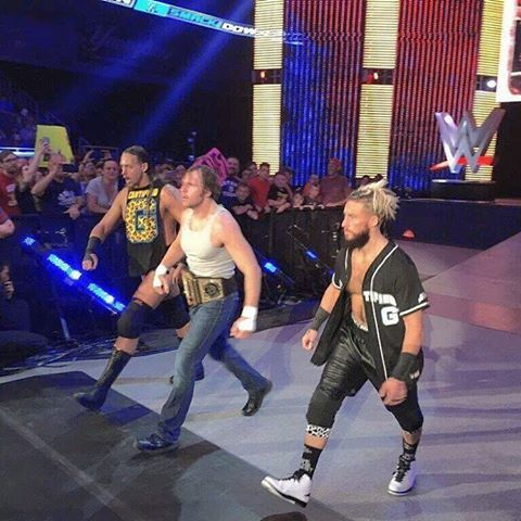 Dean Ambrose, Enzo Amore, and Big Cass                                                                                                                                                      Mais