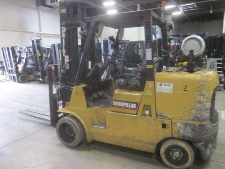 Forklift for sale in Miami 2006 Caterpillar Model GC45K, 10,000 Lbs Capacity Triple Mast $15,500