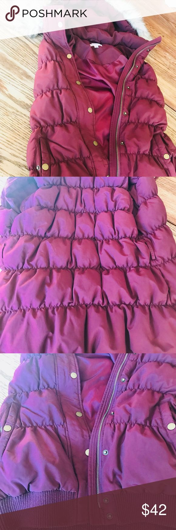 A pea in the pod -Maternity Vest- Long and puffy maroon maternity vest. Removable fur and hood! Super cute and comfy! A Pea in the Pod Jackets & Coats Vests