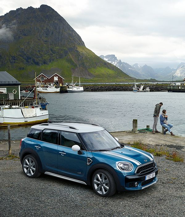 The new MINI Countryman. Saw one of these today. They are very cool