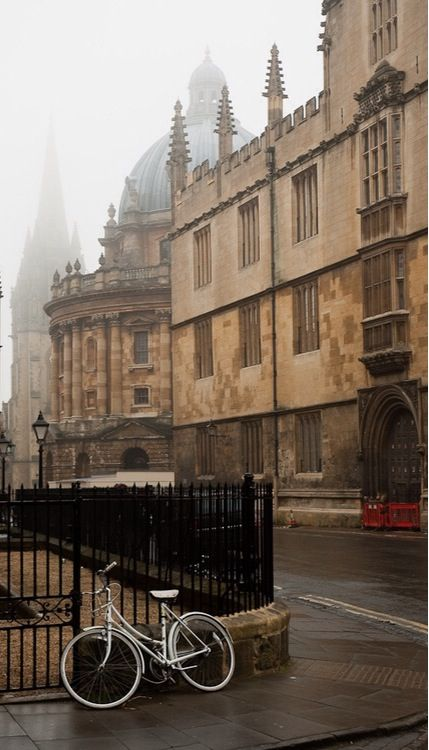 Foggy, Oxford, England