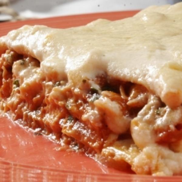 Receita de Lasanha de Frango de Microondas - 500 gr de massa para lasanha pré-cozida(s), 2 colheres (sopa) de farinha de trigo, 2 colheres (sopa) de margari...