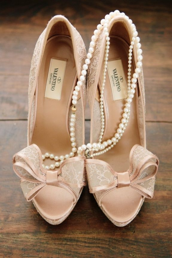 Pink bow heels + pearls http://www.theperfectpalette.com/2014/05/now-trending-blush-pink-vintage.html