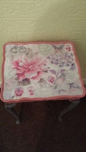 Just finished in chalk paint waxed n decoupaged. Loving the birdies.x