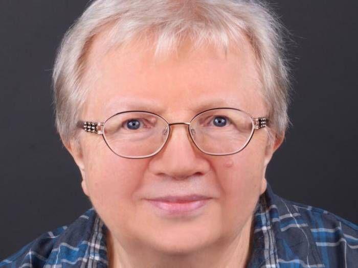 Luise F. Pusch erhält in Darmstadt den Luise-Büchner-Preis für Publizistik - Echo Online
