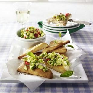 pizza ecken mit avocado paprika salat recipe. Black Bedroom Furniture Sets. Home Design Ideas