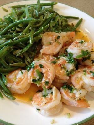 Coentro Lime camarão com feijões verdes - um fabuloso, refeição saudável!  Esta é delicioso e ótimo para pessoas em uma dieta de perda de peso.  por leta