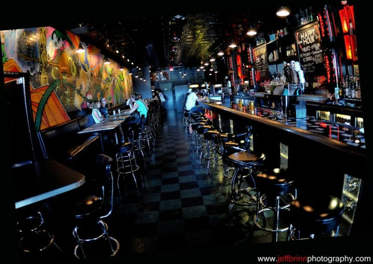 E Re Stella S Lounge We Pour Stiff Drinks And The Same Beer You Stole From Your Dad S Garage Fridge Back In Grand Rapids Restaurants Night Life Grand Rapids