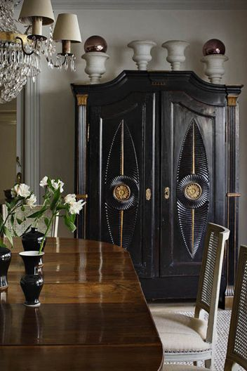 Beautiful: Dining Rooms, Madrid Spain, Old Furniture, Black Armoires, Black Cabinets, Isabel López Quesada, Interiors Design, Colors Black, Black Furniture