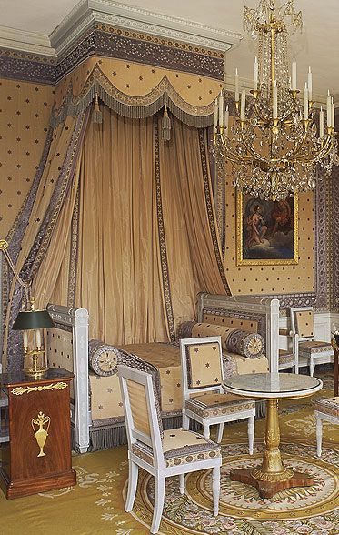 85 best images about palace of versailles on pinterest louis xvi cabinets and royal bedroom - Cabinet mansart versailles ...