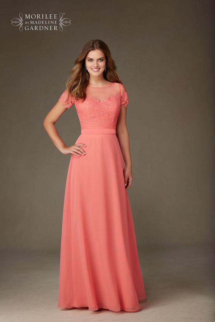 Suknia wieczorowo – letnia Mori Lee na krótki rękaw. Długa, lekka suknia, lejąca spódnica z szyfonu. Gorset z koronki i …