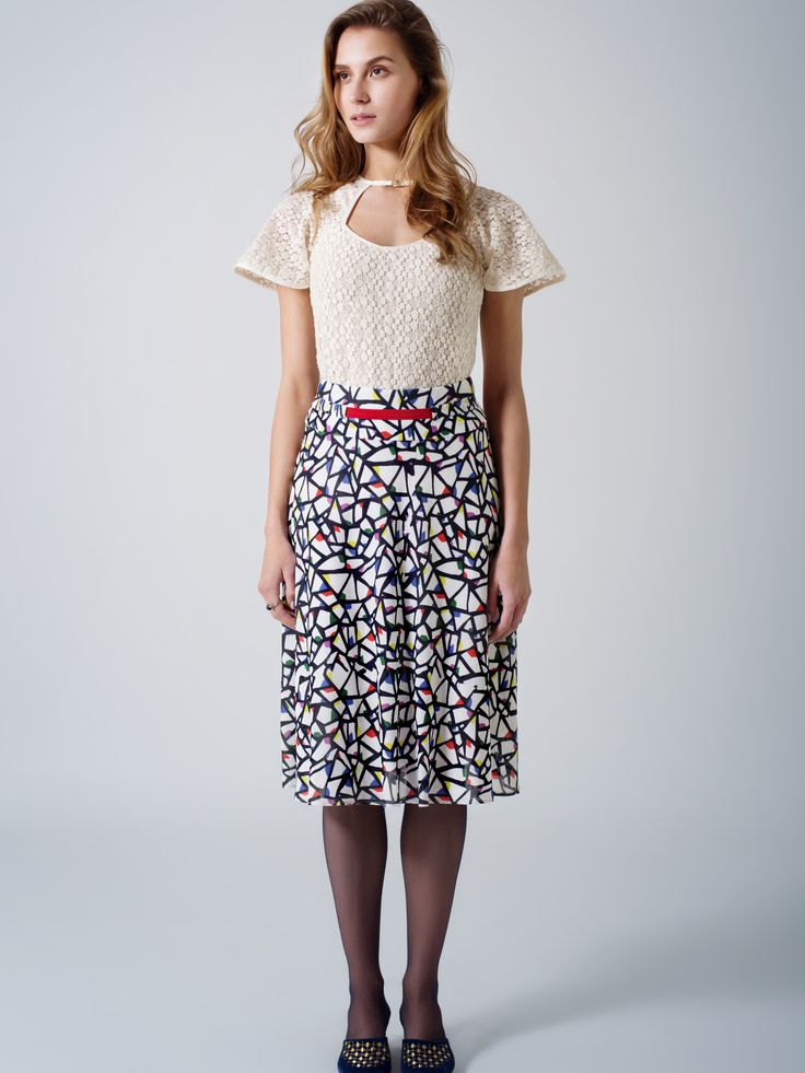 Ecru lace top / cut-out neck / flare sleeves / Flare print midi skirt / red waist detail
