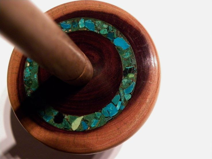 Turquoise inlay on a Mulga whorl with a French Oak shaft with Dragon Tail Tip