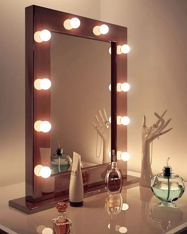 Hollywood Lights Bathroom: 1000+ Ideas About Illuminated Mirrors On Pinterest