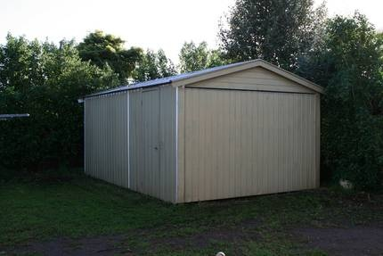 Buy it at http://www.gumtree.com.au/s-ad/glenelg-north/backyard-bbq/single-tilt-door-gabled-garage-shed/1005616736